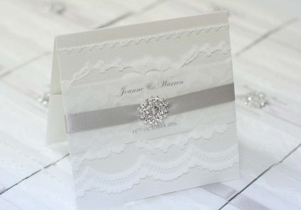 Full Lace Wallet with large Diamante Cluster